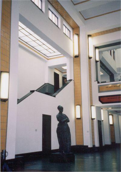 Gemeentemuseum den haag for Melchior interieur den haag
